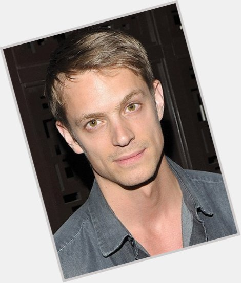 Joel Kinnaman exclusive hot pic 6.jpg
