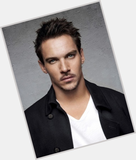 Jonathan Rhys Meyers full body 1.jpg