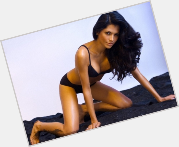 Joyce Giraud exclusive hot pic 5.jpg
