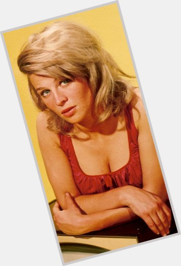 Julie Christie young 10.jpg