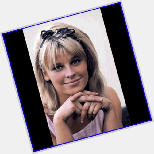 Julie Christie young 7.jpg
