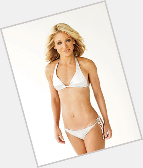 Kelly Ripa full body 3.jpg