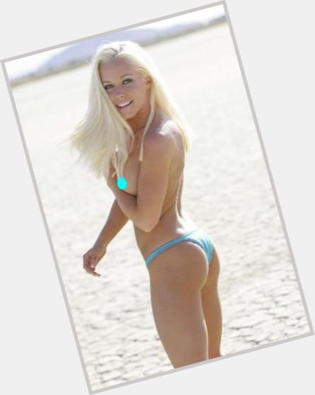 Kendra Wilkinson exclusive 5.jpg