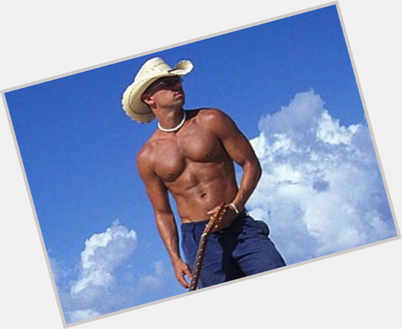 Kenny Chesney new pic 2.jpg