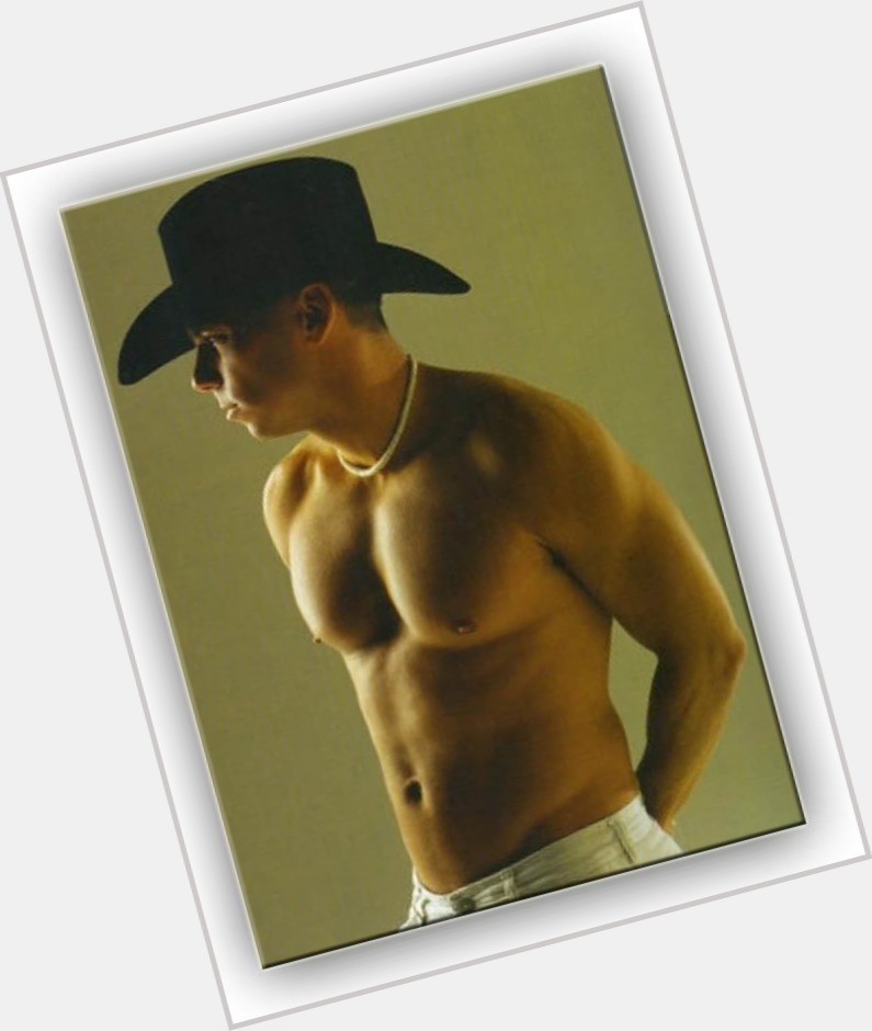 Kenny Chesney sexy 5.jpg