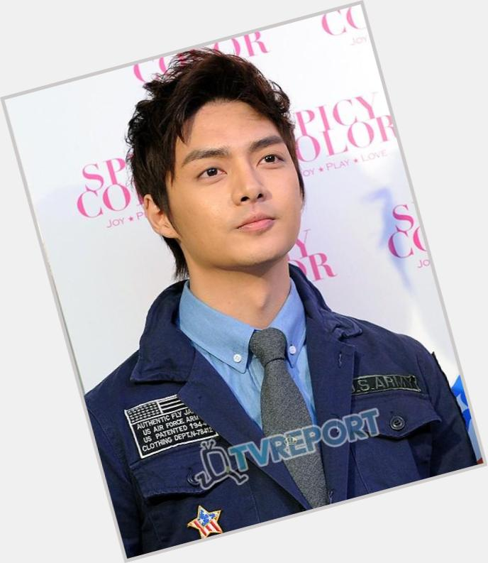 Kim Jun full body 5.jpg