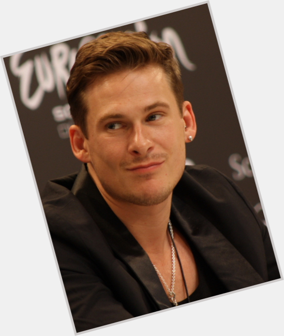 Lee Ryan full body 0.jpg