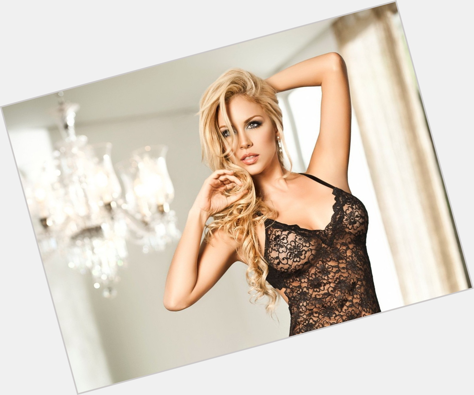 Lina Posada full body 6.jpg