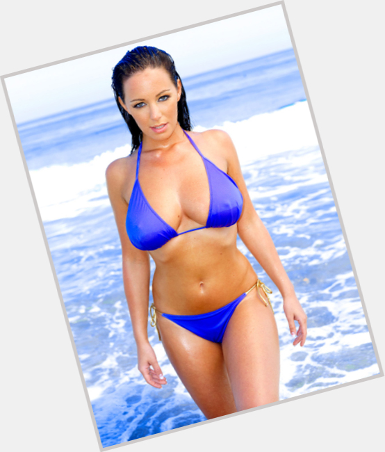 Lindsey Strutt dating 7.jpg