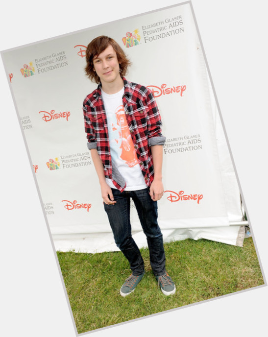 Logan Miller new pic 8.jpg