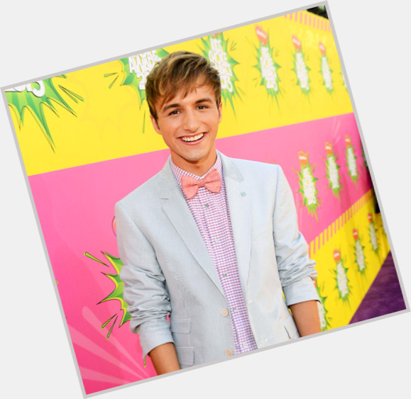 lucas gay singles Lucas gottesman was often taunted and bullied at school he found friends in hanna marin and caleb rivers, which made him a target of a he had a crush on hanna, but she was oblivious to.