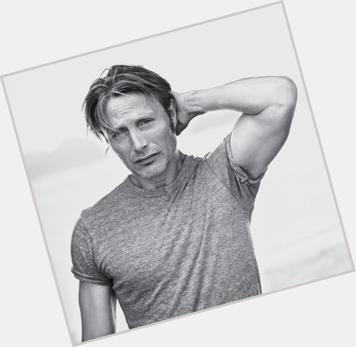 Mads Mikkelsen exclusive hot pic 6.jpg