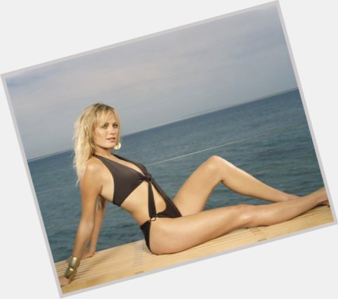 Malin Akerman dating 3.jpg