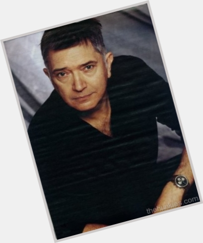 Martin Shaw full body 4.jpg