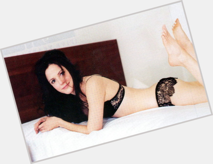 Mary Louise Parker sexy 6.jpg