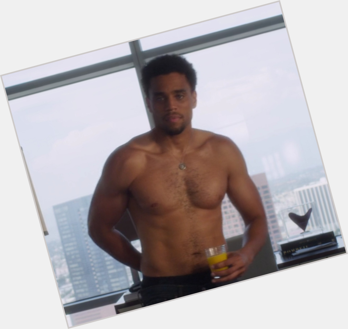 Michael Ealy   Officia...