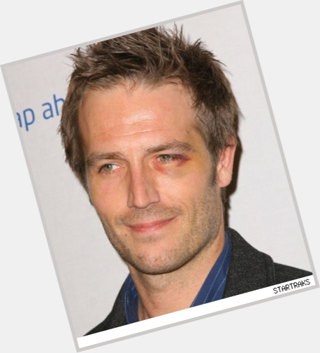 Michael Vartan full body 11.jpg