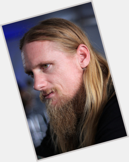 Mike Vallely dating 11.jpg