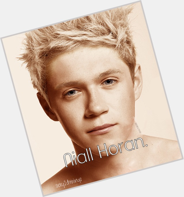 Niall Horan full body 10.jpg