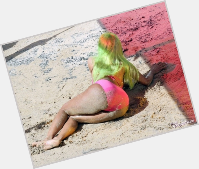 Nicki Minaj body 7.jpg