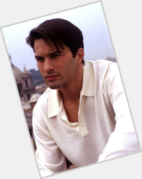 Olivier Martinez full body 11.jpg