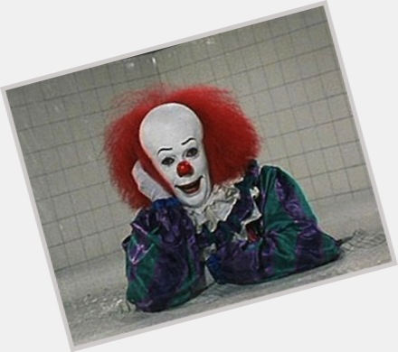 Pennywise sexy 7.jpg