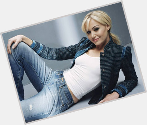 Portia De Rossi full body 3.jpg