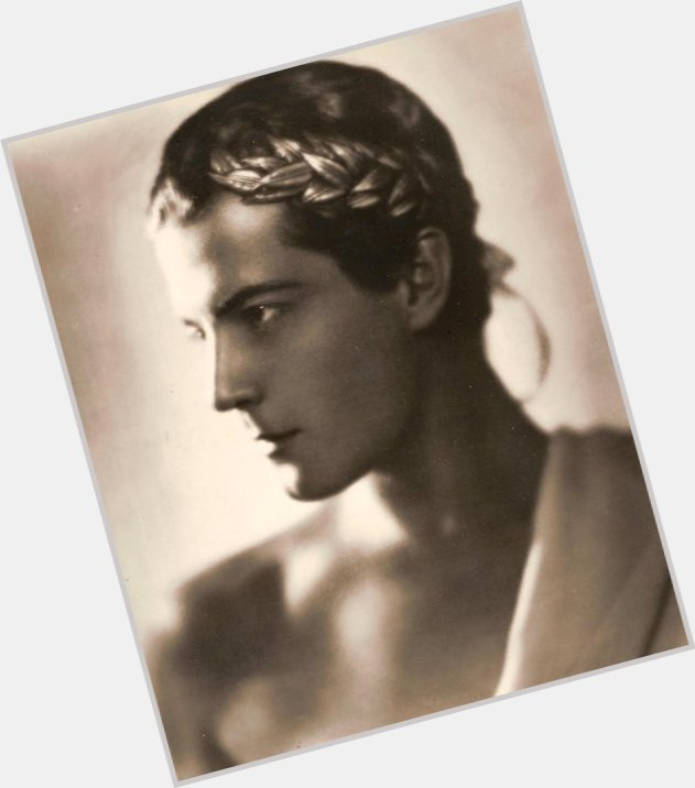 Ramon Novarro dating 7.jpg