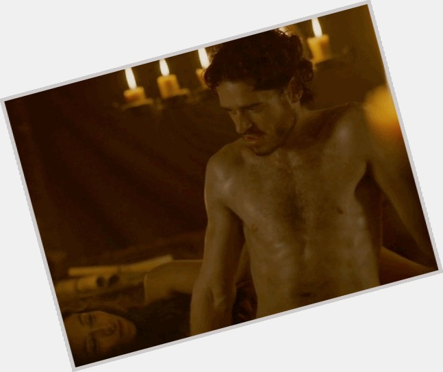 Richard Madden exclusive hot pic 3.jpg