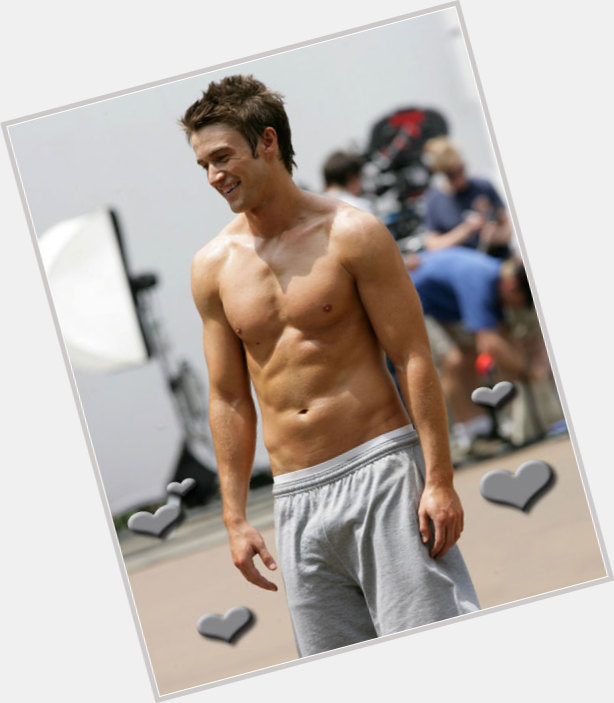 Robert Buckley exclusive hot pic 5.jpg