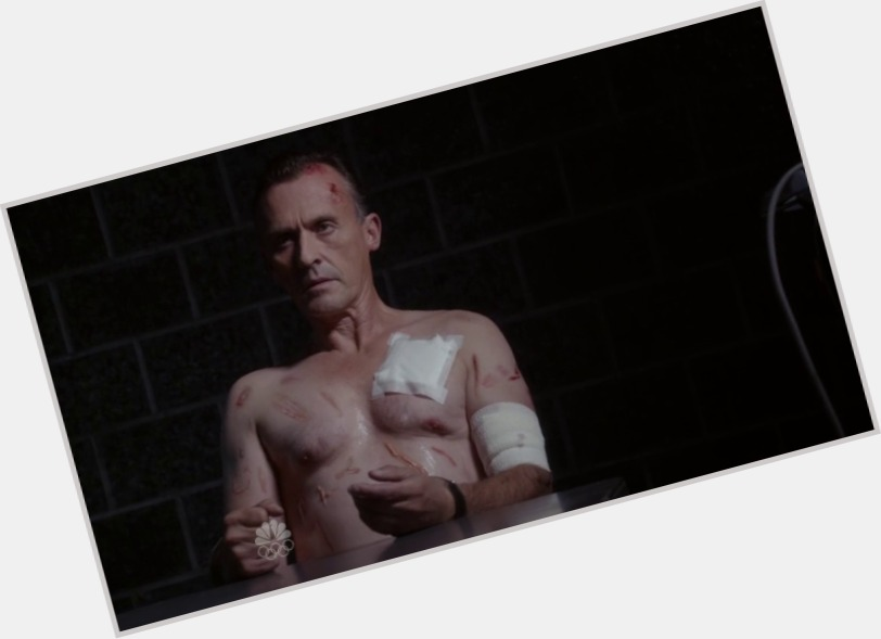 Robert Knepper full body 6.jpg