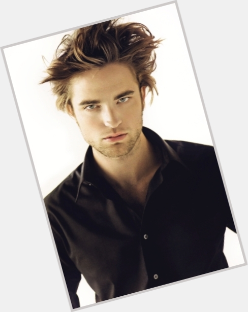 Robert Pattinson exclusive 8.jpg