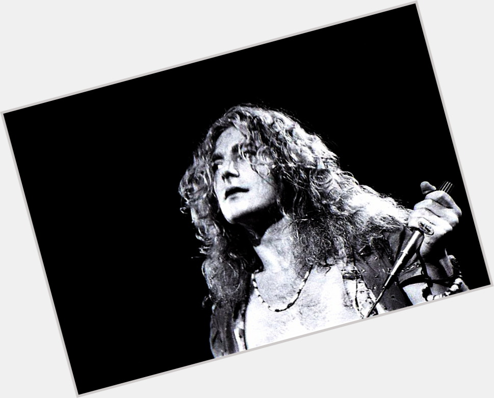 Robert Plant full body 1.jpg