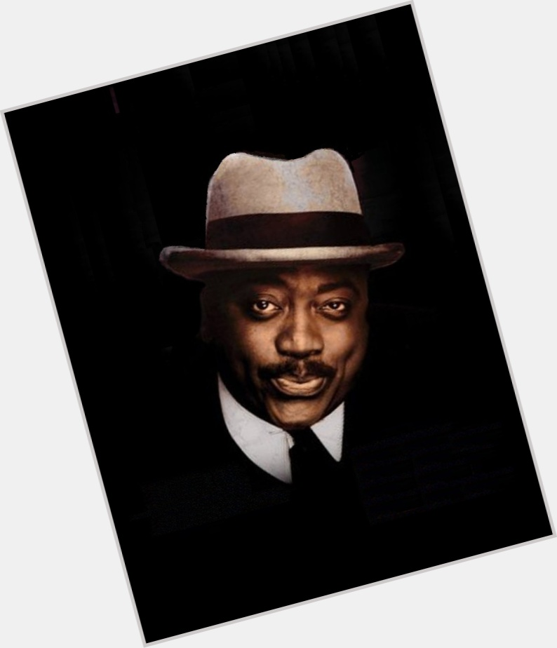Robin Harris full body 8.jpg