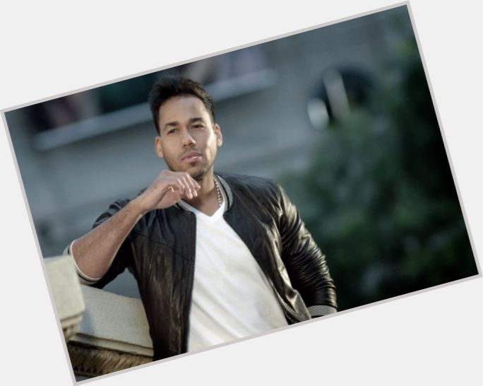 Romeo Santos exclusive hot pic 7.jpg