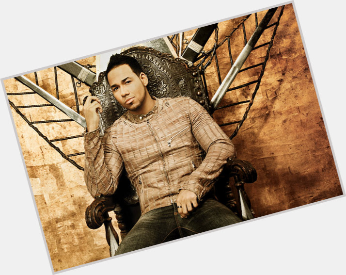 Romeo Santos exclusive hot pic 9.jpg