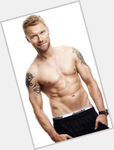 Ronan Keating full body 3.jpg