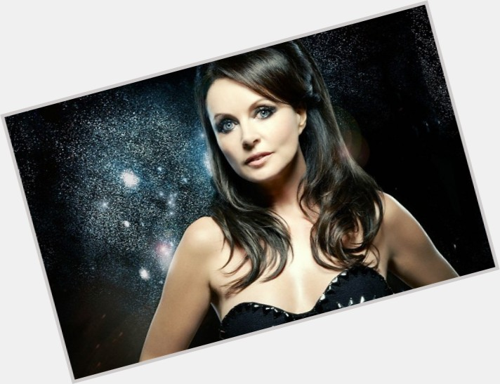 Sarah Brightman full body 0.jpg