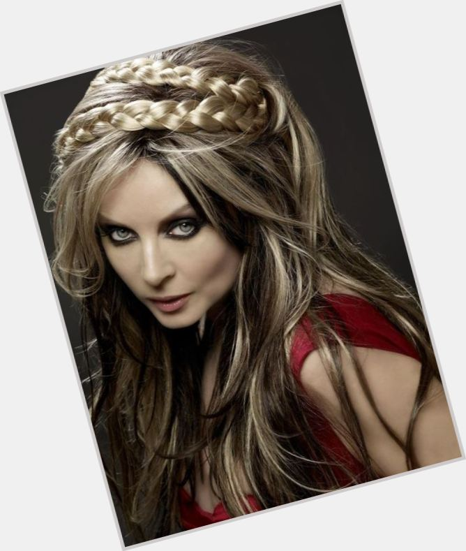 Sarah Brightman young 1.jpg
