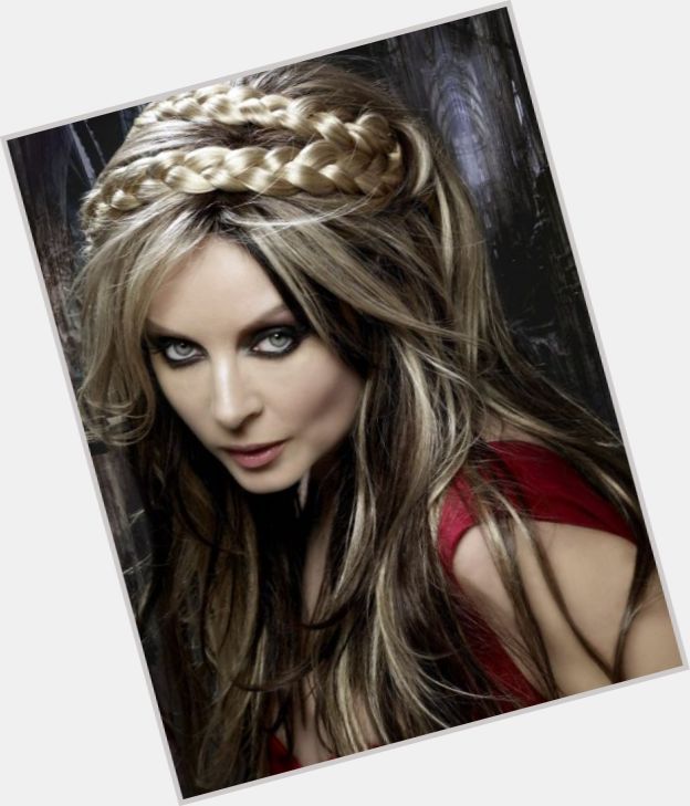 Sarah Brightman young 8.jpg