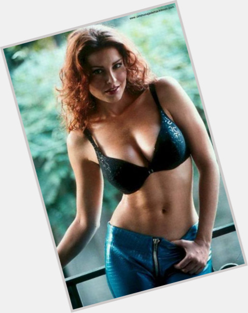 Simmone Mackinnon dating 3.jpg