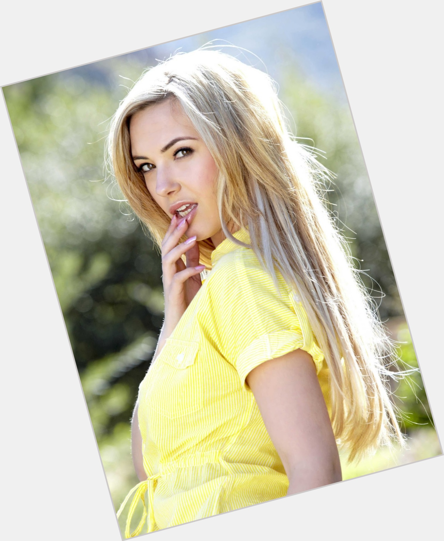 Sophia Knight Official Site For Man Crush Monday Mcm