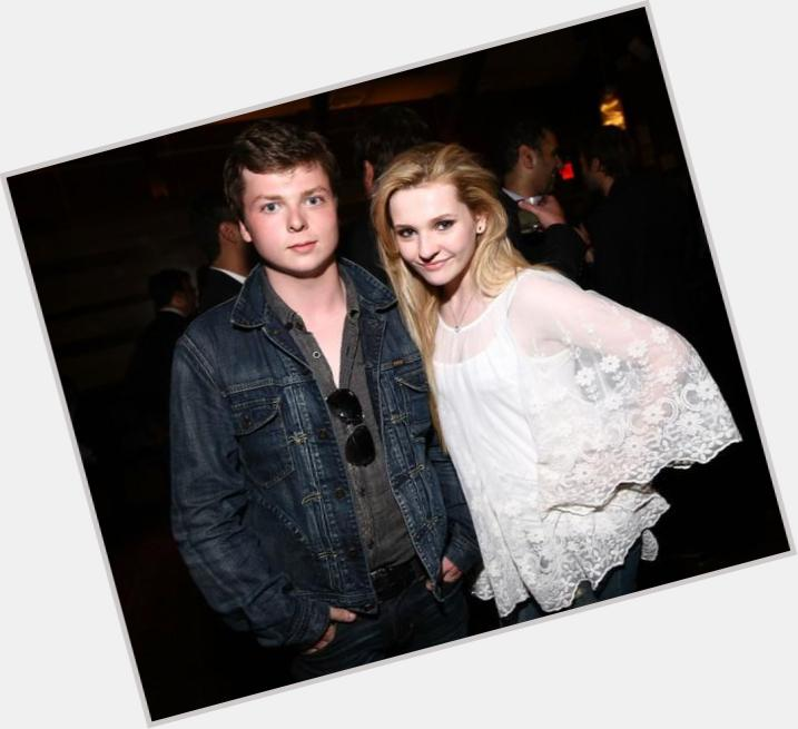 Abigail breslin dating michael clifford 4