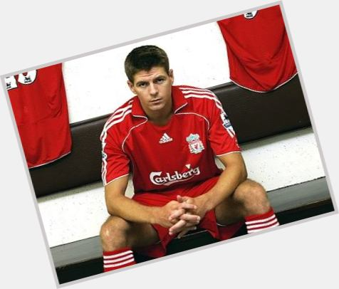 Steven Gerrard full body 9.jpg