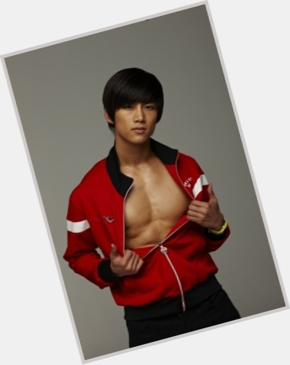 Taecyeon full body 11.jpg