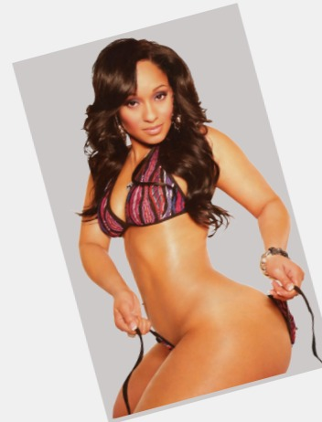 Tahiry full body 7.jpg
