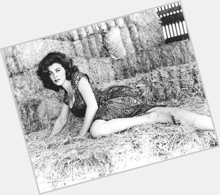 Tina Louise full body 8.jpg