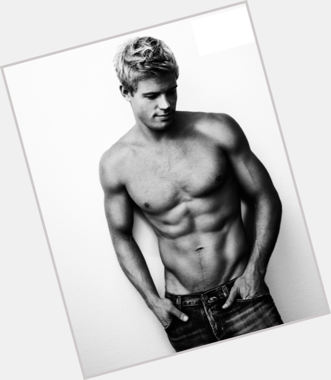 Trevor Donovan dating 4.jpg