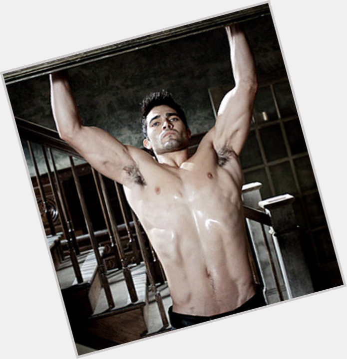 Tyler Hoechlin exclusive hot pic 8.jpg