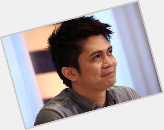 Vhong Navarro full body 5.jpg